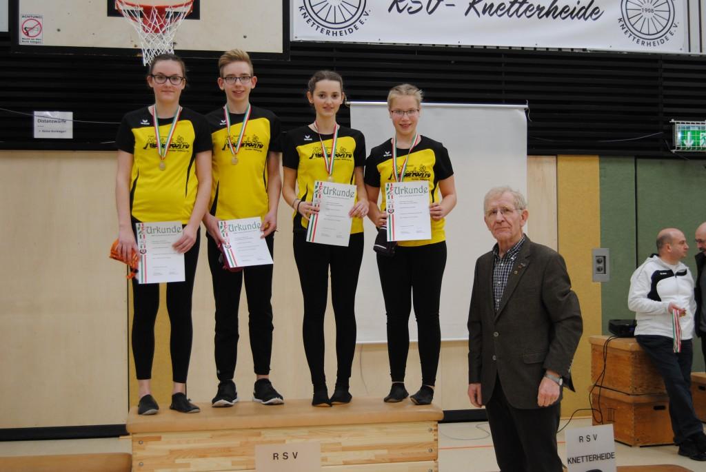 4er mit dem Vizepr�sidenten des Radsportverbandes NRW Josef Pooschen
