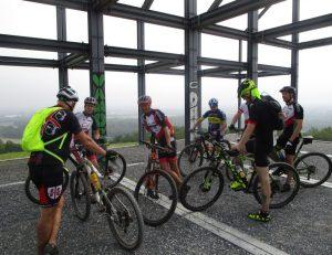 Eine Gruppe niederländischer Radsportfreunde.